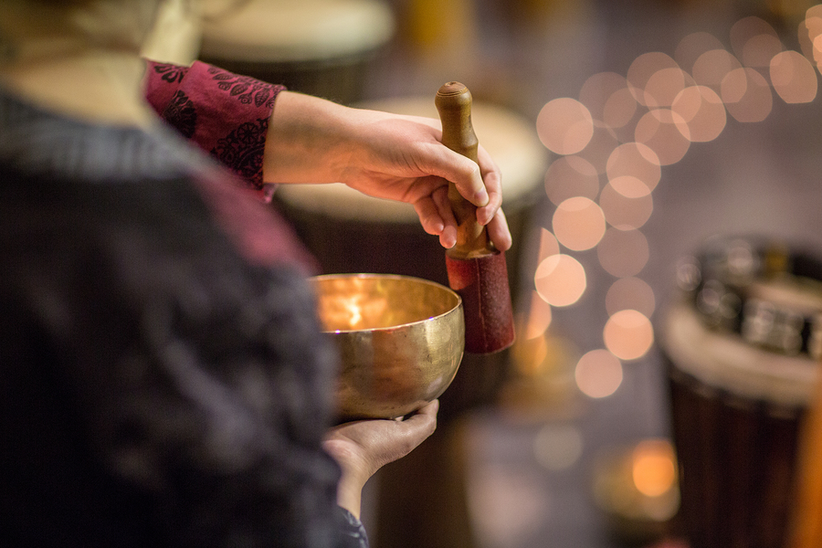 The Incredible Healing Effects Of Tibetan Singing Bowls