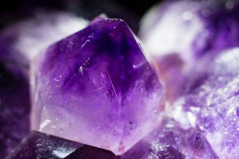 8 Powerful Crystals That Will Bring An End To Insomnia