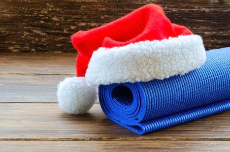 6 Yoga Poses For Christmas + Mindful Journaling