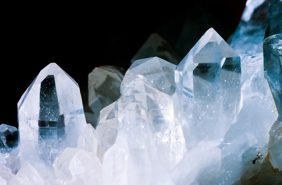 3 powerful crystals to carry with you daily