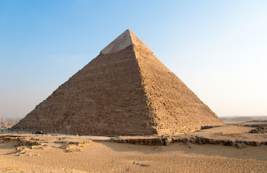 17 truly surprising facts about the great pyramid of giza