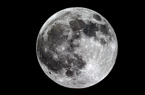 In Tune with the Moon: New Year, New Moon Manifestation