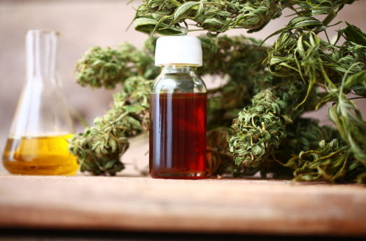 How CBD Oil Can Heal Chronic Pain: A Doctor's Observations