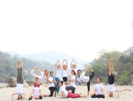 Yoga Retreat Program In Rishikesh