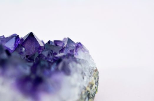 5 Gemstones To Help You Through The Day