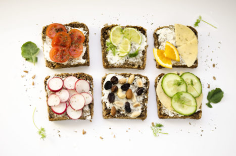 5 Ways To Eat Healthy While Traveling